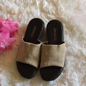 🌺 Aerosoles Tan sandal fabric floral print Sz: 6M